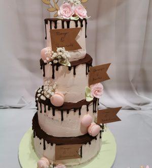 Bruidstaart met chocoladedripp