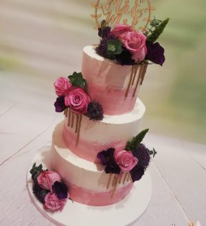 Dusty rose wedding cake