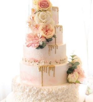 Pink and gold weddingcake