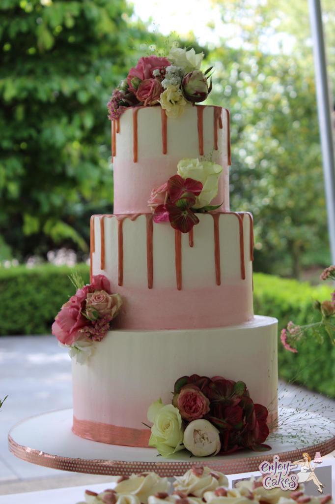Bruidstaart met rosegoudendripp