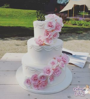 Pinkroses weddingcake