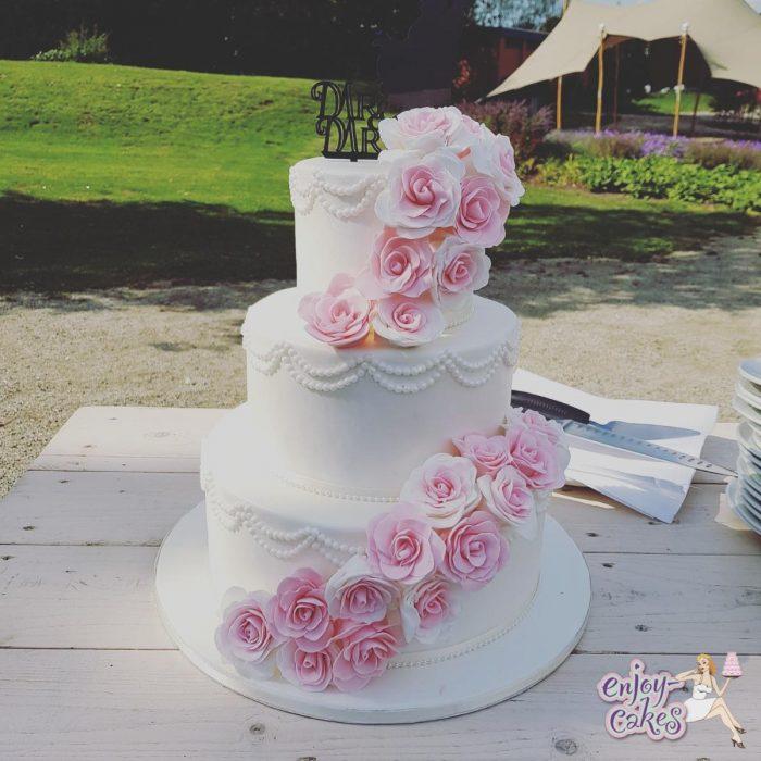 Pinkroses weddingcake