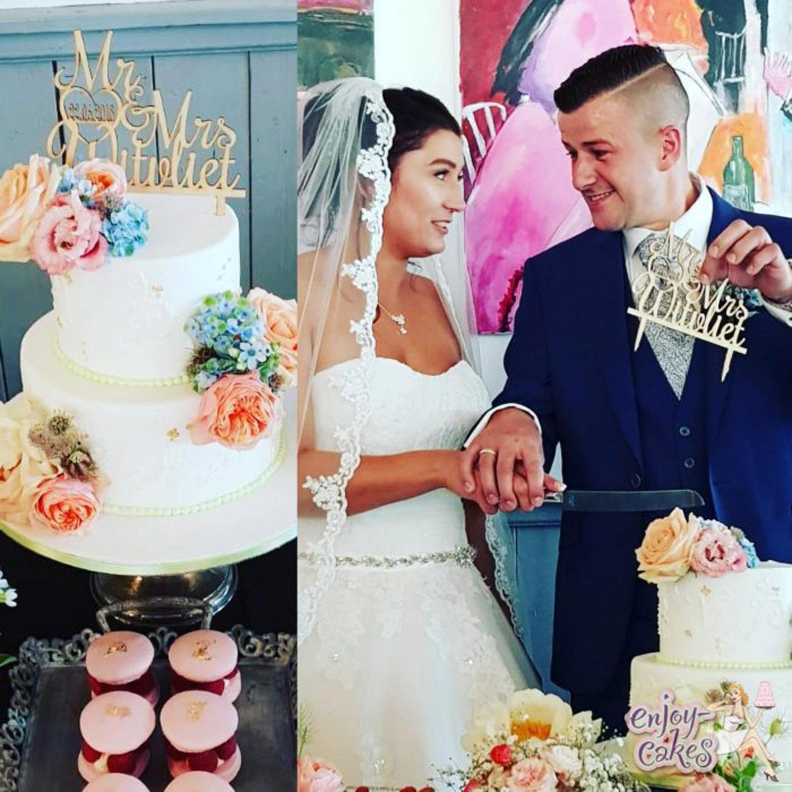 Elegant wedding cake with flowers