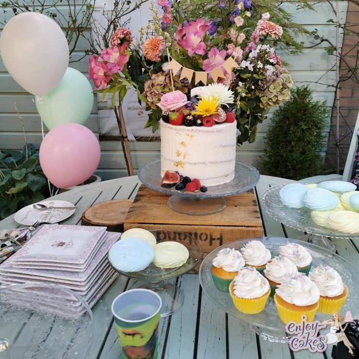 Feestje in de tuin van enjoy-cakes