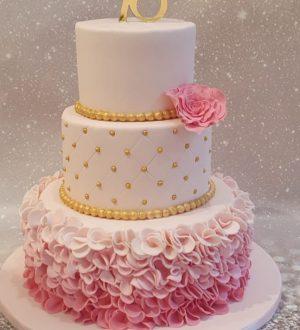 Pink Ruffle taart/ Sweet Sixteen taart