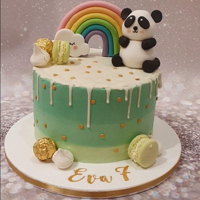 Panda taart met regenboog
