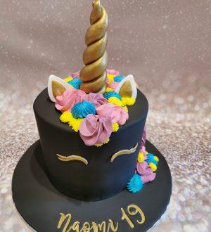 Zwarte Unicorn taart