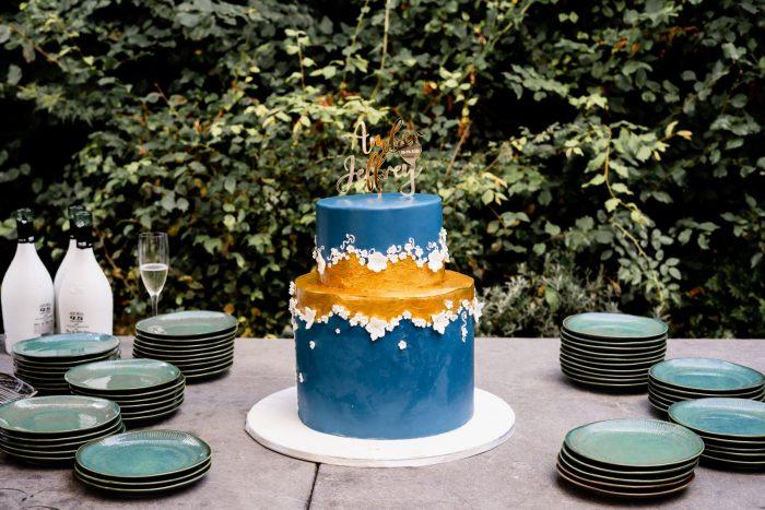 Blue goldweddingcake