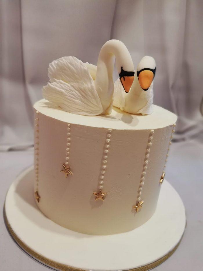 Bruidstaart met Zwanen