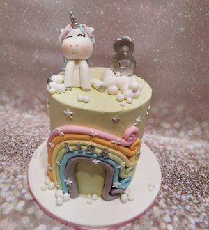 Unicorn taart met regenboog