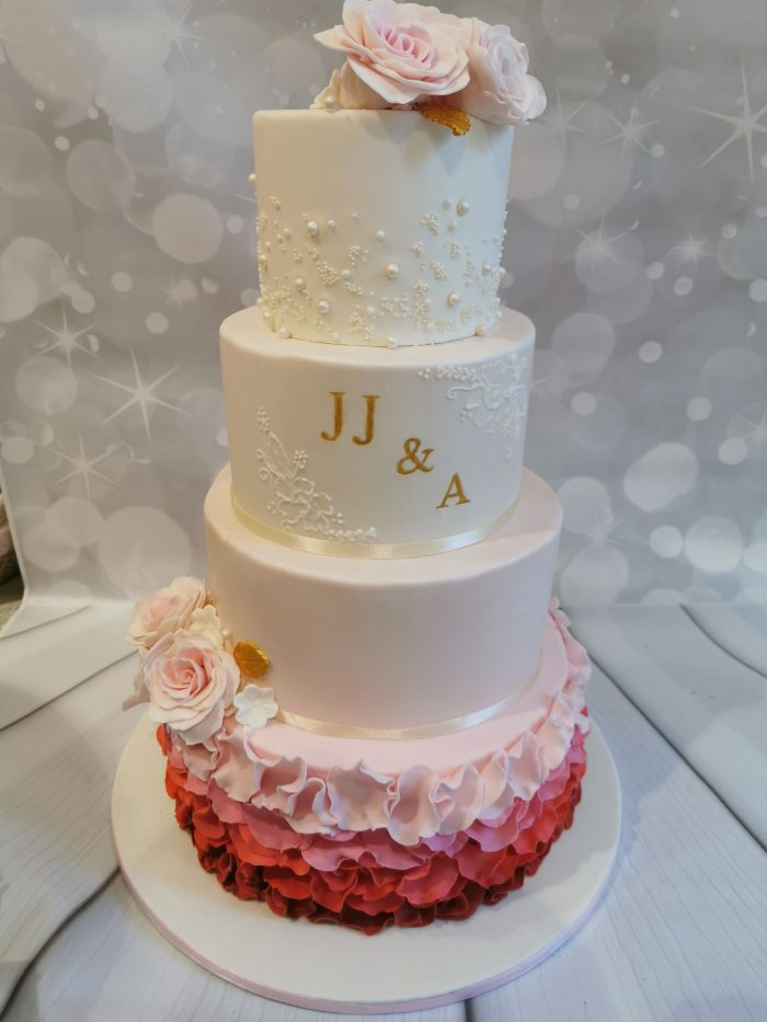 Red, pink Ruffle Weddingcake