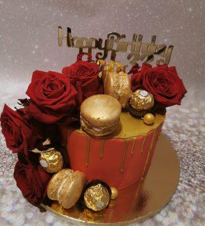 Red Roses Ladycake