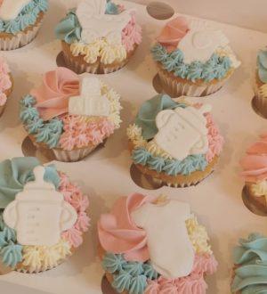 Genderreveal baby cupcakes