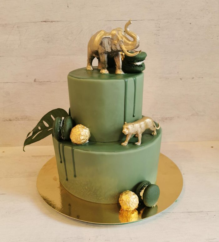 Jungle gold cake