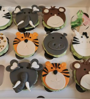 Jungle fondant cupcakes