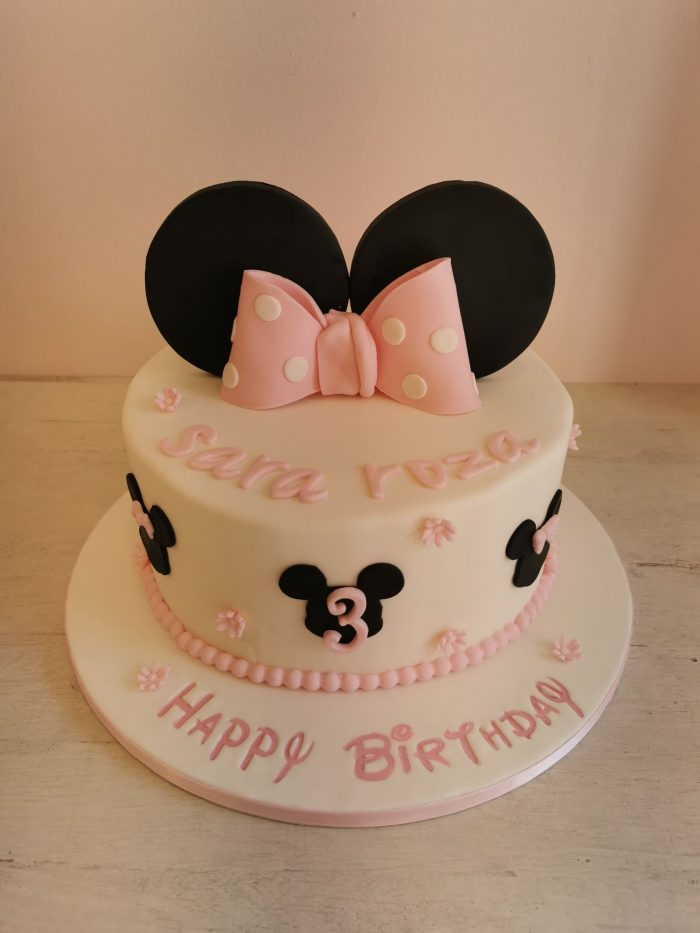 Minnie Mouse taart roze