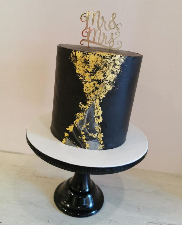 black and gold marble cake