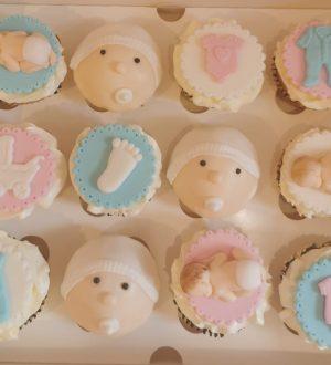 Genderreveal fondant baby cupcakes