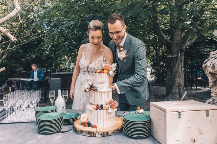 Seminaked Weddingcake (by Jessica_Groenewegen_fotografie)
